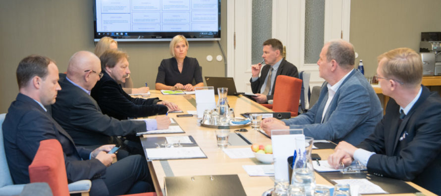 Õiguskantsler Ülle Madise andis põhiseaduskomisjoni istungil oma tegevuse aastaülevaate