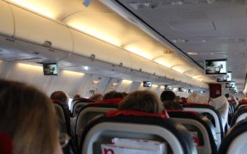 Miks on lennukis tuhatoosid, kui suitsetamine keelustatud?
