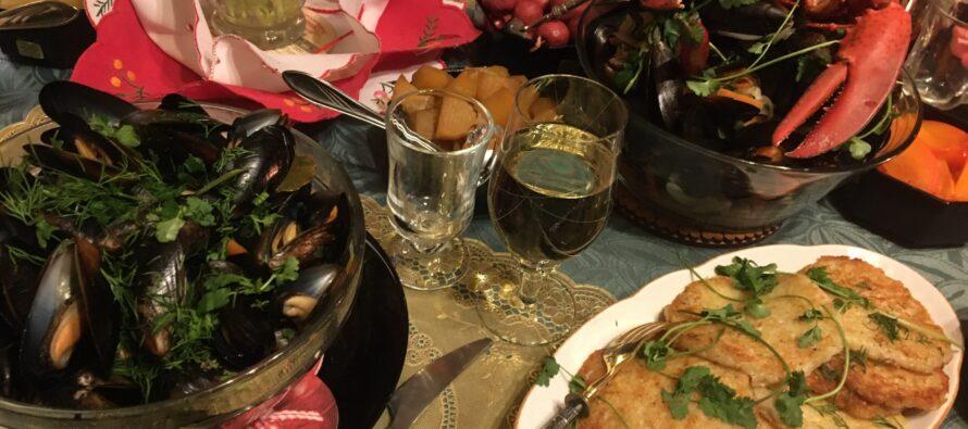 Helena-Reet: FOTOBLOGI + RETSEPTID! Just selline näeb välja toidulaud, kui kaks tippkokka teid reede õhtut veetma kutsuvad!