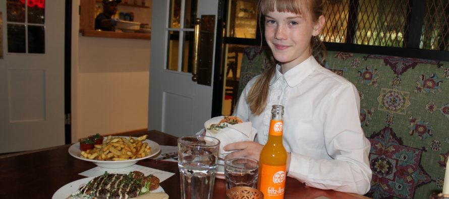 Helena-Reet: Ivanka Shoshana sünnipäevahommik ja Estella Elishevaga Viru Keskuses ning FAFA´S