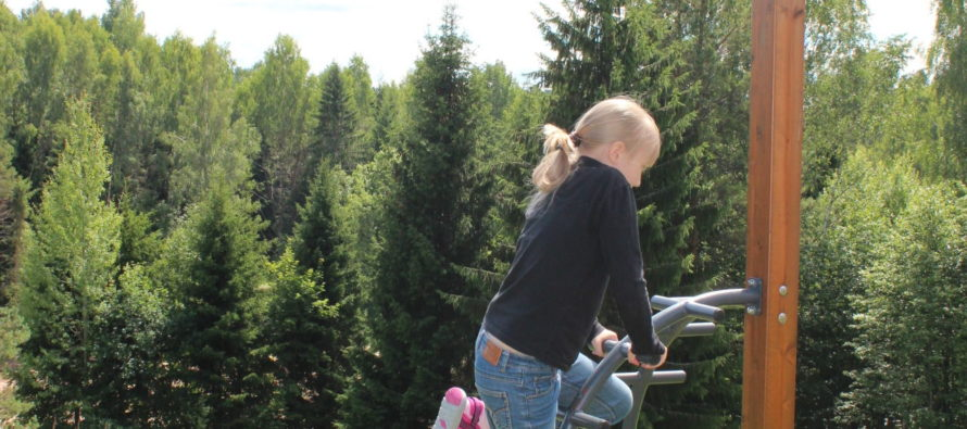 Soome psühholoog Keijo Tahkokallio: Lastega ei peaks kõiki asju arutama – Need küsimused, mida täiskasvanud peavad ära otsustama, pole mingi demokraatia, kus kõigil peab olema sõnaõigus