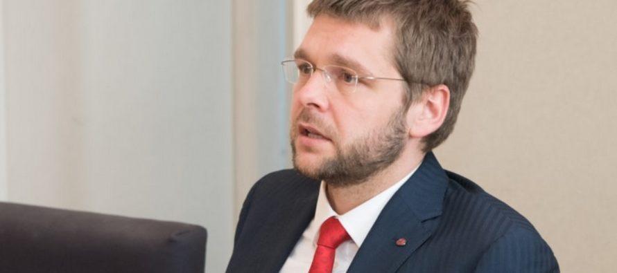 Jevgeni Ossinovski: Riik hakkab senisest enam toetama vähese töökogemusega noorte tööle saamist