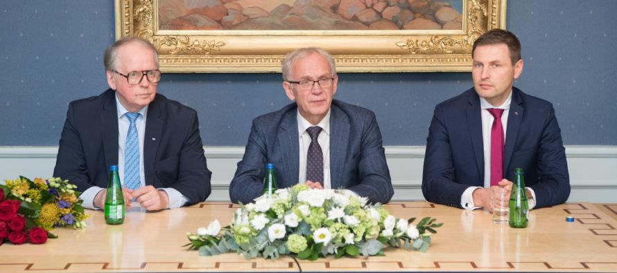 Riigikogu aseesimeesteks valiti Enn Eesmaa ja Hanno Pevkur