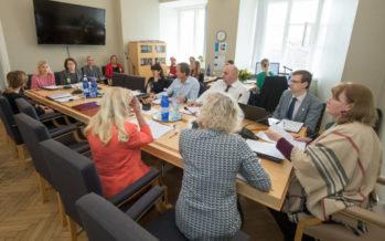 Sotsiaalkomisjon toetab vastavuseksami loomist kolmandatest riikidest pärit tervishoiutöötajatele