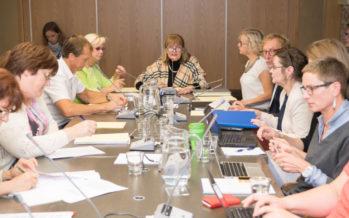 Riigikogu sotsiaalkomisjoni istung: Info abi vajavate laste kohta peab jõudma omavalitsuseni