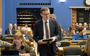 Välispoliitika arutelu keskmes olid meie ühine tulevik Euroopas ja julgeolek. Välisminister Sven Mikser: traditsioonilistele ohtudele on lisandunud terrorism, tuumarelvade levik, diktaatorite ettearvamatu käitumine, küberohud