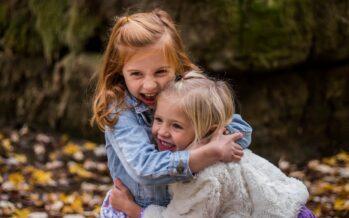 Kuidas arendada lastes empaatiat: Vanemad peaksid õpetama emotsioone mõistma, samamoodi nagu õpetatakse numbreid ja värve