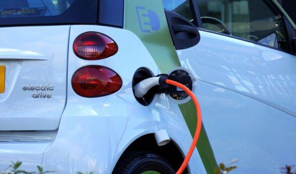Soomes peab 10 aasta pärast olema iga neljas auto elektriauto – autoettevõtja peab seda utoopiaks, näiteks Lapimaale pole mõtet elektriautoga minna