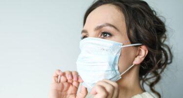 Värske uuring: koroonaviirus levib kaugemale kui ametivõimud väidavad, viirus PÜSIB ÕHUS 30 minutit