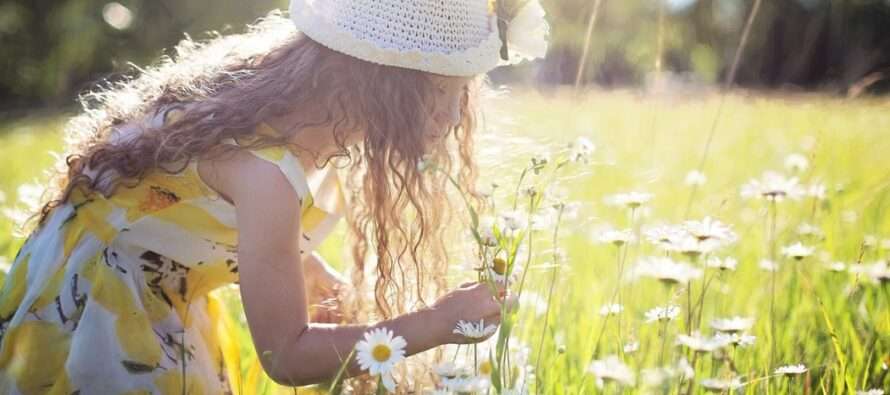 LAPSED on meie parimad õpetajad, sest näevad maailma selgemalt kui täiskasvanud. Mida teha, et olla õnnelik nagu laps?