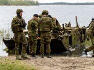 Eesti: Sõjaväelogistikud ja mereväe tuukrid puhastasid Klooga järve ohtlikest metallkonstruktsioonidest