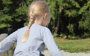 Spetsialist Ben Furman: 11 asja, mida meeles pidada, kui lapsel on 2 kodu