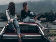 TEADUSAJAKIRI: NEED 2 ASJA aitavad hoida teismeeas tüdrukute head vaimset tervist