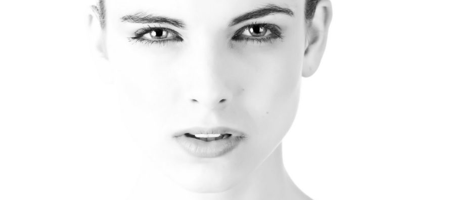 Uuring: 90% naistest on oma kõhupiirkonna suhtes rahulolematud. 10 PÕHJUST, miks valitakse iluoperatsioon