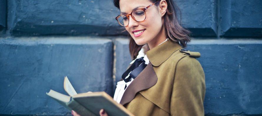 Miks jõuavad mõned naised karjääriredelil eriti kõrgele, seda just kohtadel, kus liiguvad suured rahad ja sõlmitakse tähtsaid lepinguid?